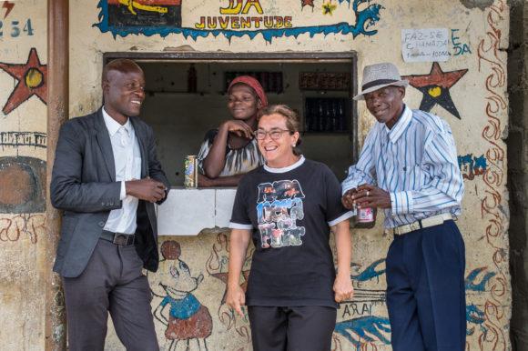 """Nina Manchado: """"MISEVI opta por intervenir en esta realidad en Lobito para reducir el sufrimiento personal, familiar y social que provoca el alcoholismo"""""""