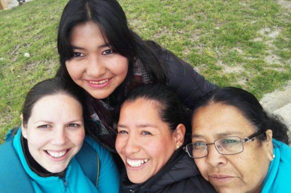 """Ángela Chicharro: """"Las mujeres bolivianas son el espejo donde me sigo mirando. El ejemplo de tantas mujeres con nombre propio, lugar donde quitarse las sandalias porque su vida es tierra santa"""""""